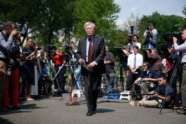 """特朗普""""炒掉""""第三任美国国家安全事务助理博尔顿"""
