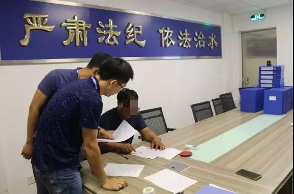 蓬江:男子夜晚盗挖砂土 被罚款50万元