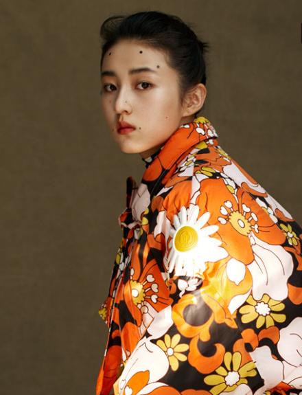 张子枫时尚大片 油画妆容复刻优雅