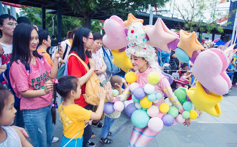 中秋小长假,北京欢乐谷接待游客近15万人次