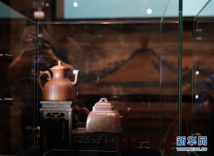 仿宫廷紫砂器监制项目亮相故宫博物院
