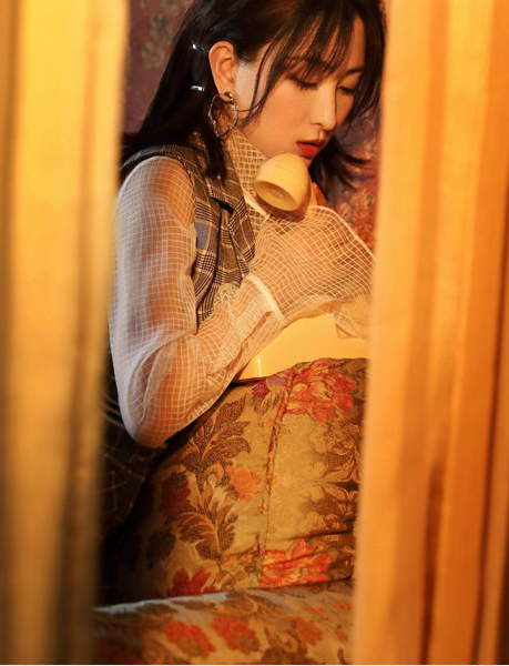 马苏复古封面 优雅从容散发魅力