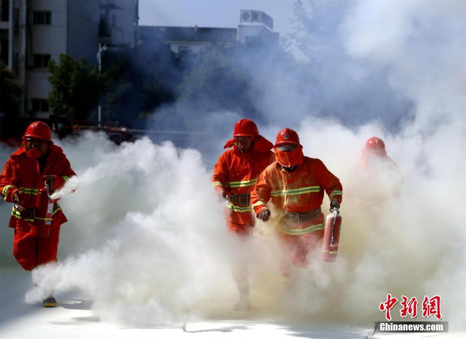 湖北咸宁消防比武竞赛