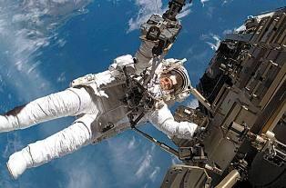 两女宇航员将共同执行太空行走任务