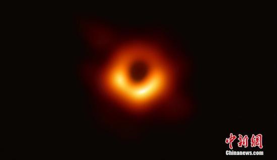 首张黑洞照拍摄队获300万美元大奖