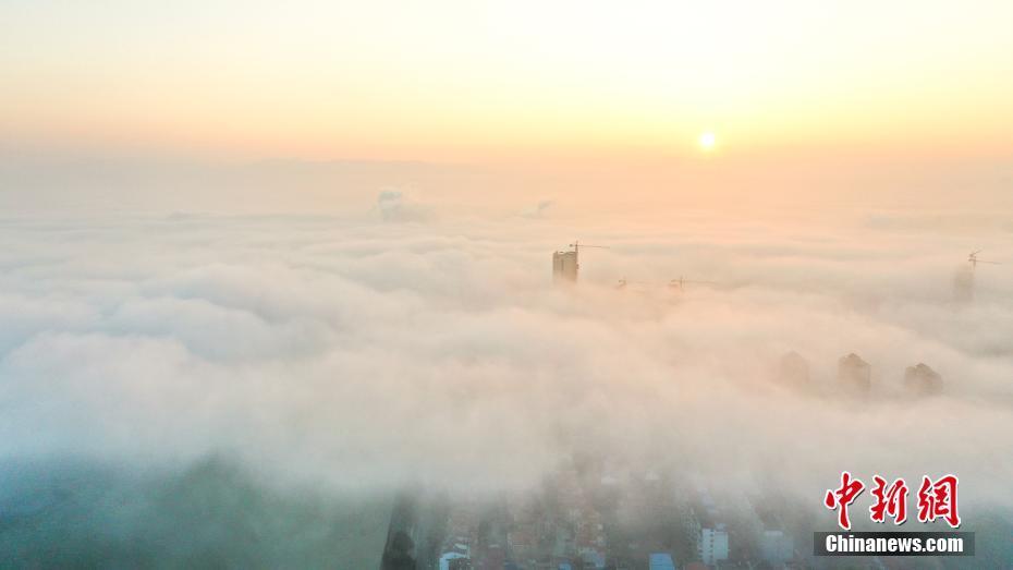 江西奉新大霧籠罩