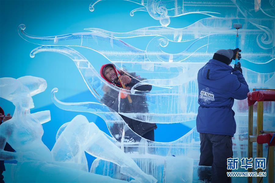 哈爾濱比拼冰雕技藝