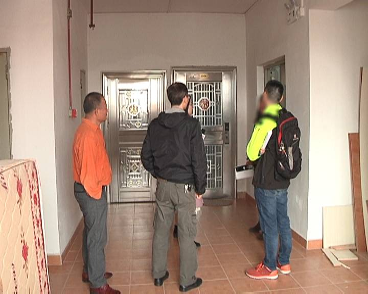 蓬江一小區復式住宅私改群租房 兩套房住了22戶人