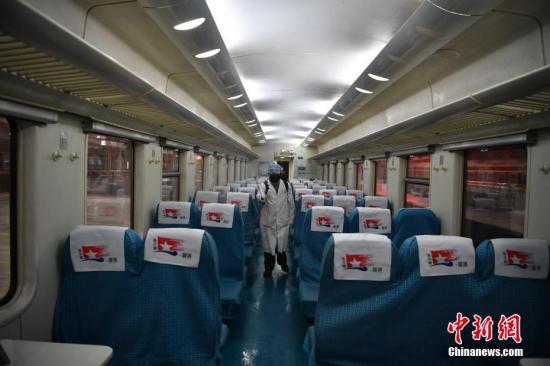 铁路加强疫情防控:禁售无座车票 餐车不再接待就餐
