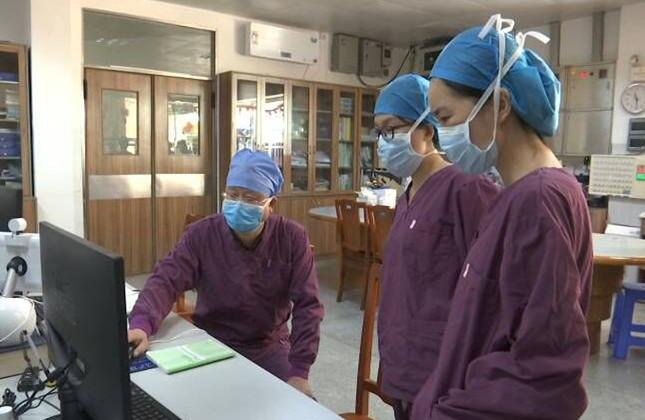 市五邑中医院感染科主任胡泰洪:以身作则筑起抗击疫情的屏障