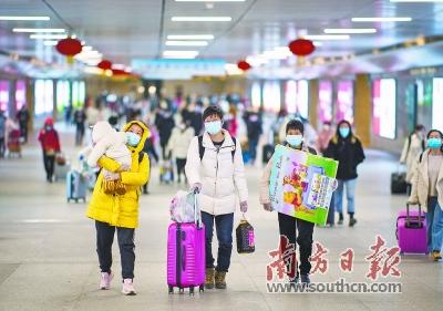 疫情以来,全国首趟外省终到武汉高铁从广州开出