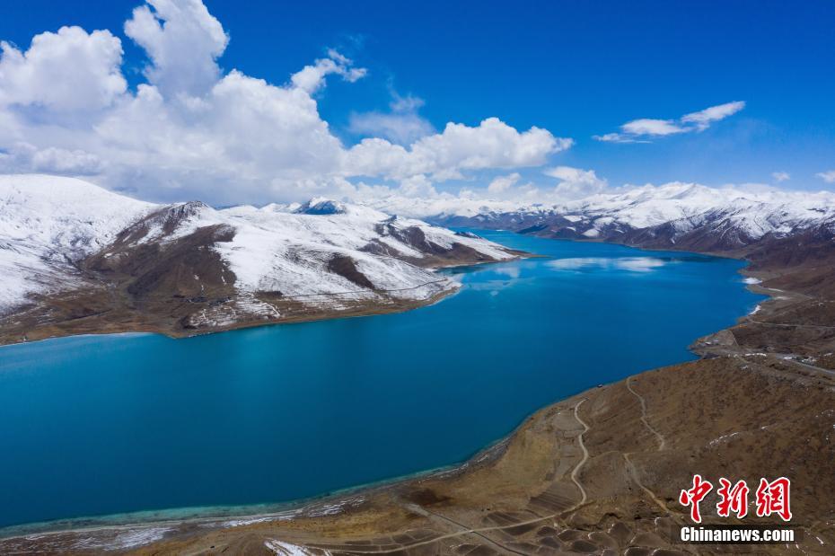 雪后羊湖風景如畫 晶瑩剔透靜謐圣潔