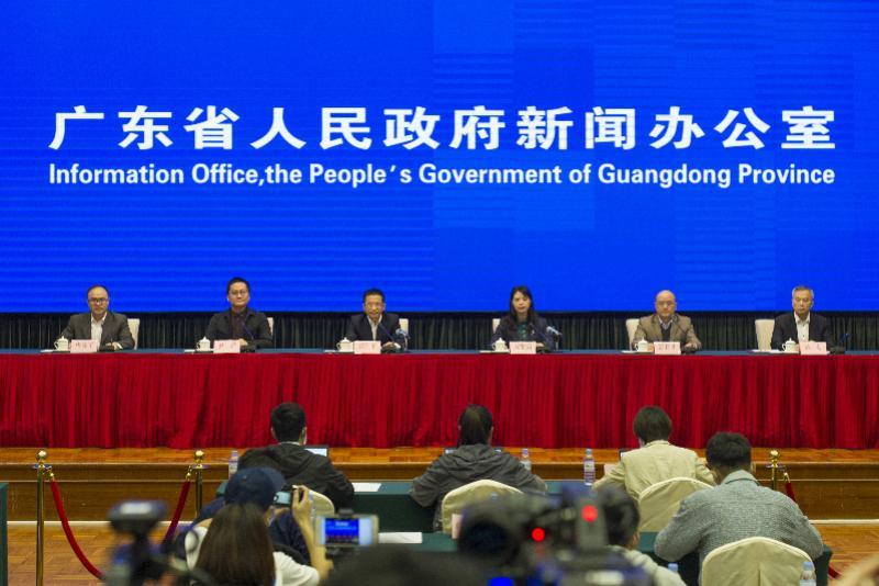 省卫健委提醒武汉返粤来粤人员每日在粤康码上申报健康状况