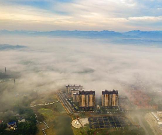 航拍湖北宜都平流雾景观
