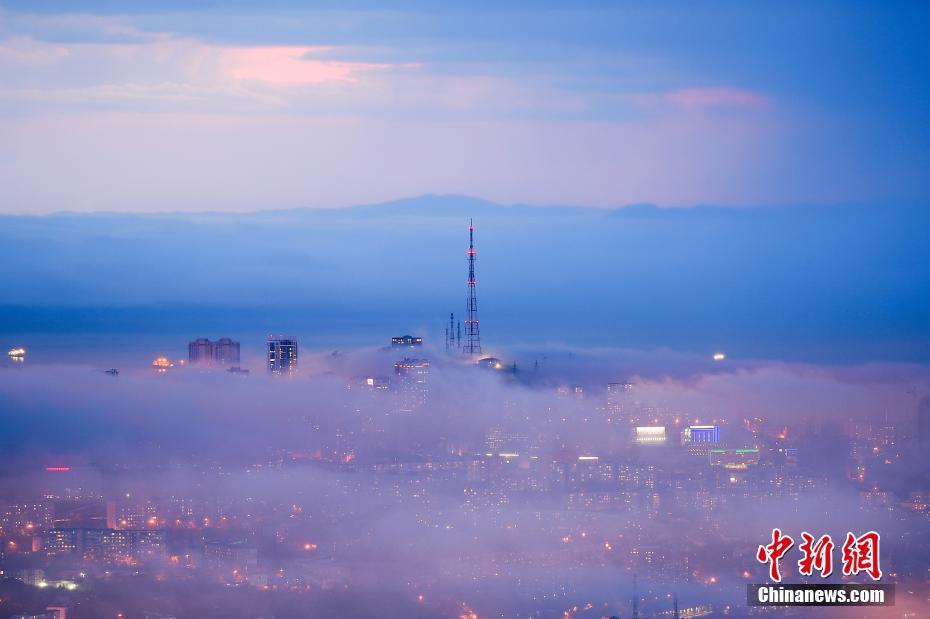 俄罗斯大雾笼罩如仙境