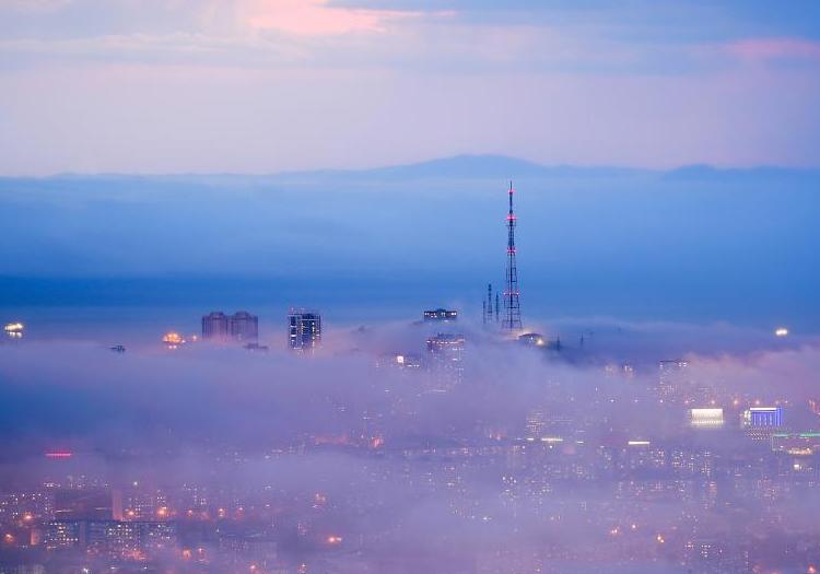 俄罗斯符拉迪沃斯托克大雾笼罩 如仙境之城