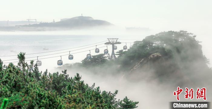 山东荣成现夏日海雾美景