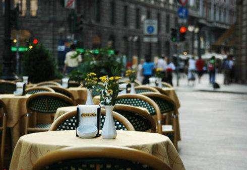 """法国进入""""解封""""第二阶段 餐馆、咖啡馆等场所恢复营业"""
