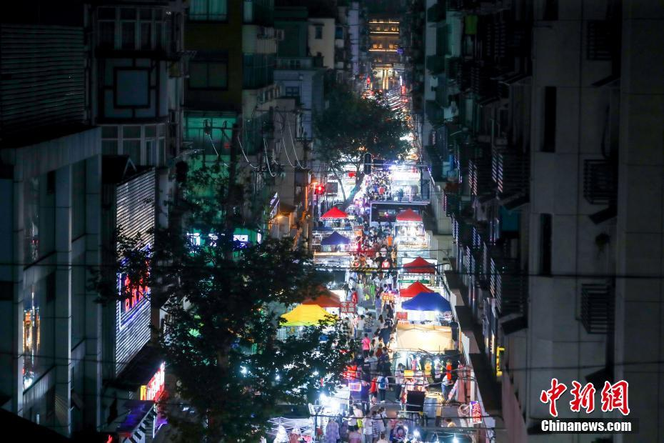 武漢夜市人氣漸旺
