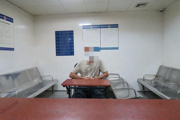 涉案在逃人員欲乘火車旅游 被深圳鐵路公安逮個正著