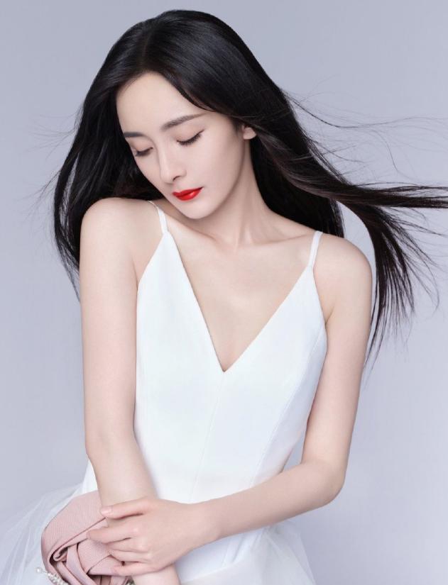 杨幂最新时尚大片 演绎东方女性美