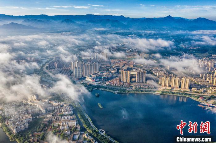 江西武宁平流雾景观
