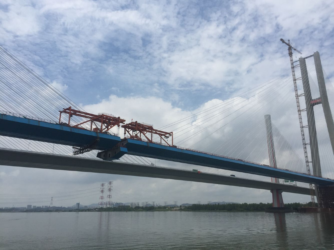 南沙港西江特大桥合龙在即 江门海事全程保驾护航