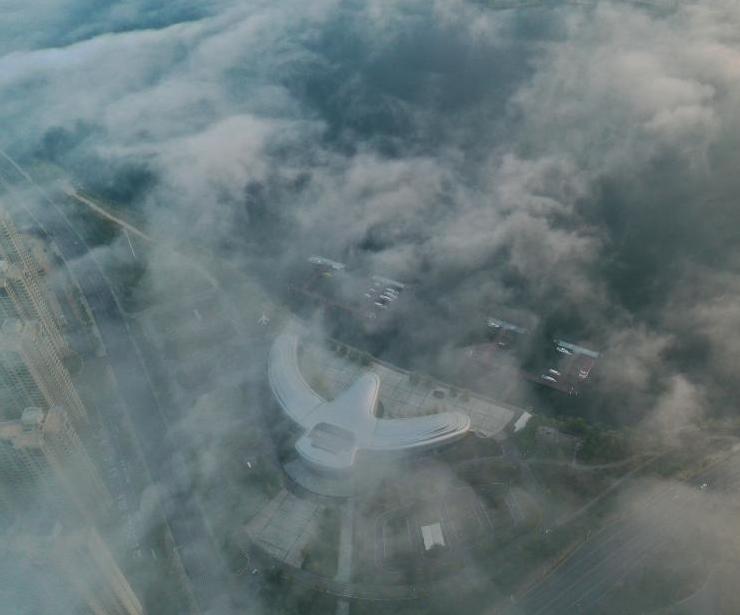 江西武宁现平流雾景观